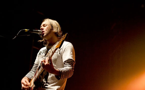 Feeder Live Review 2012