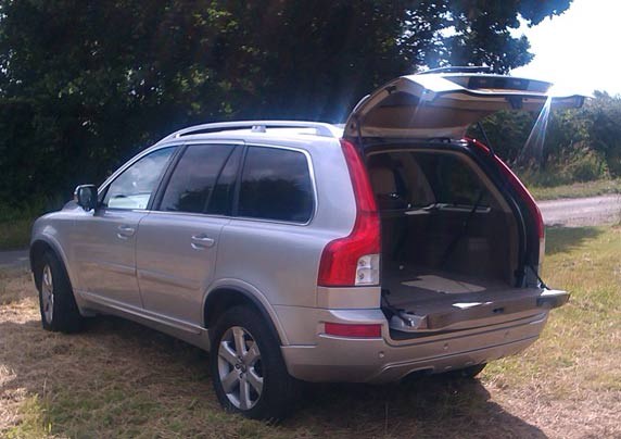 Car Review: Volvo XC90 SE
