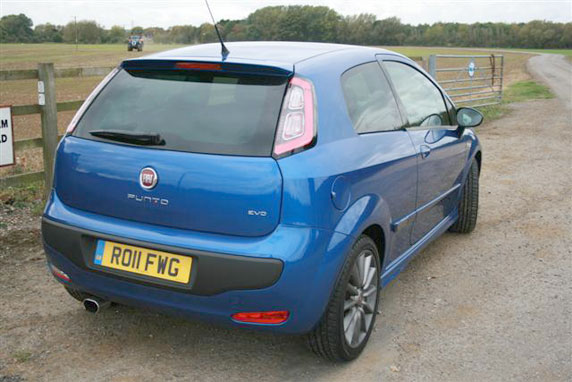 2011-Fiat-Punto-EVO-Sporting