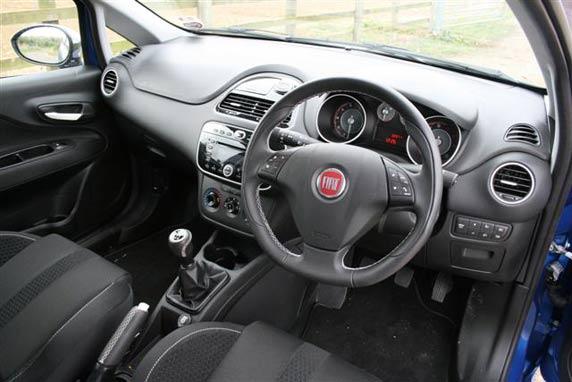 2011 Fiat Punto interior