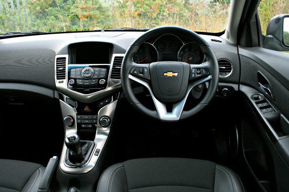Chevrolet Cruze 1.7 VCDi LTZ Hatchback