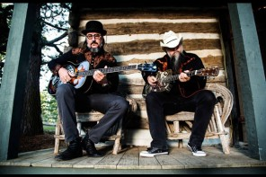 Les Claypool's Duo De Twang – Four Foot Shack