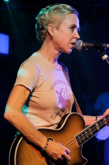 Live Review: Tanya Donelly & Throwing Muses - Norwich Waterfront