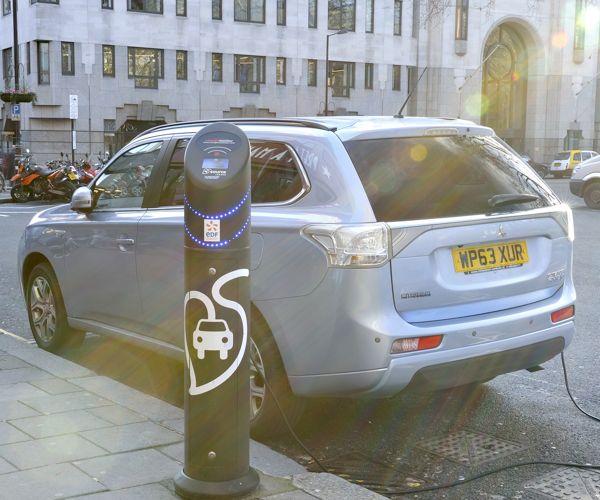 Car Review: Mitsubishi Outlander PHEV