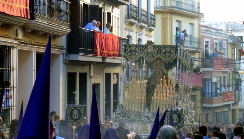 Procession through incense, Puente Genil