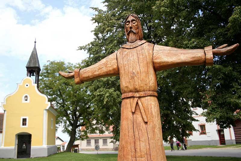 statue-christ