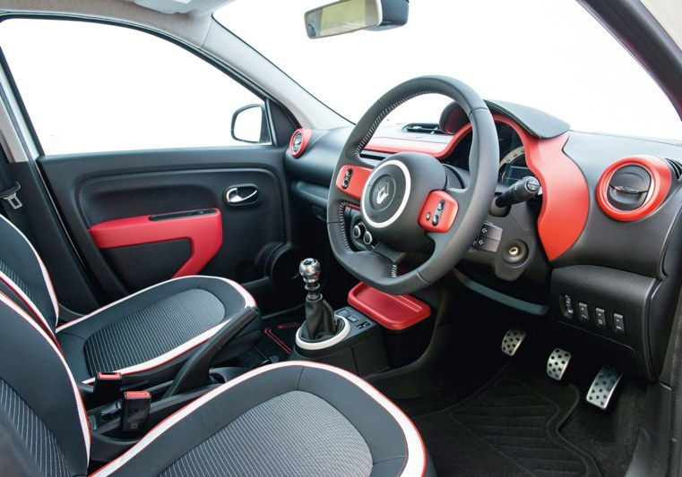 car review renault twingo play sce 70 flush the fashion. Black Bedroom Furniture Sets. Home Design Ideas