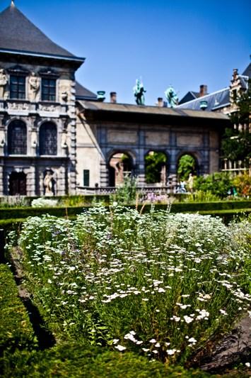Zicht op het Rubenshuis vanuit de tuin_foto Jelle Vermeersch
