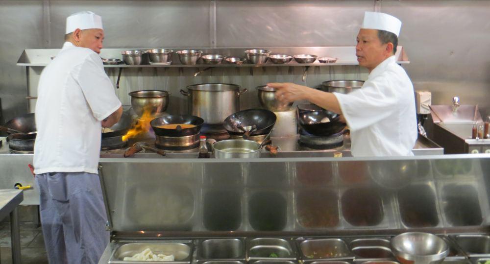 Open Kitchen Ekachai