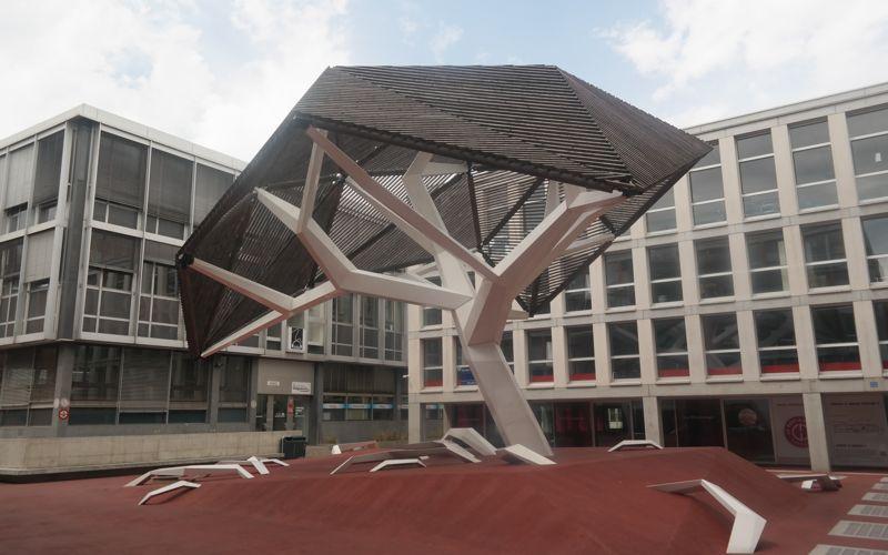 L'arbre de Flonville by Oloom & Samuel Wilkinson