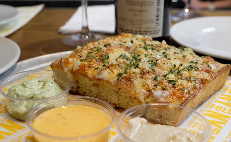 Cheesy Garlic Dunkers NY  FOLD
