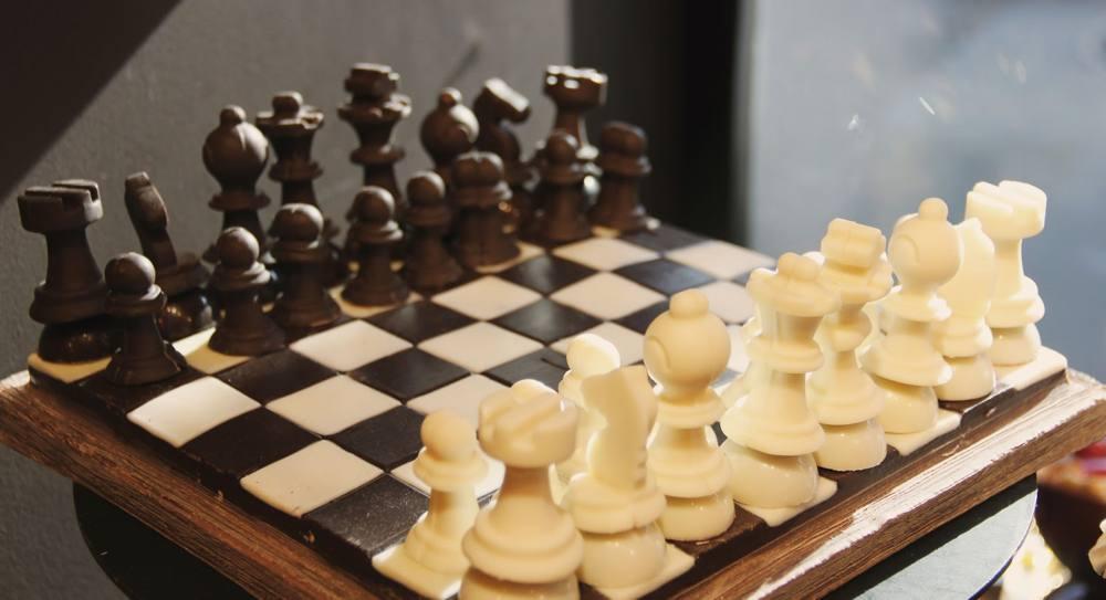 chocolate-chess-board