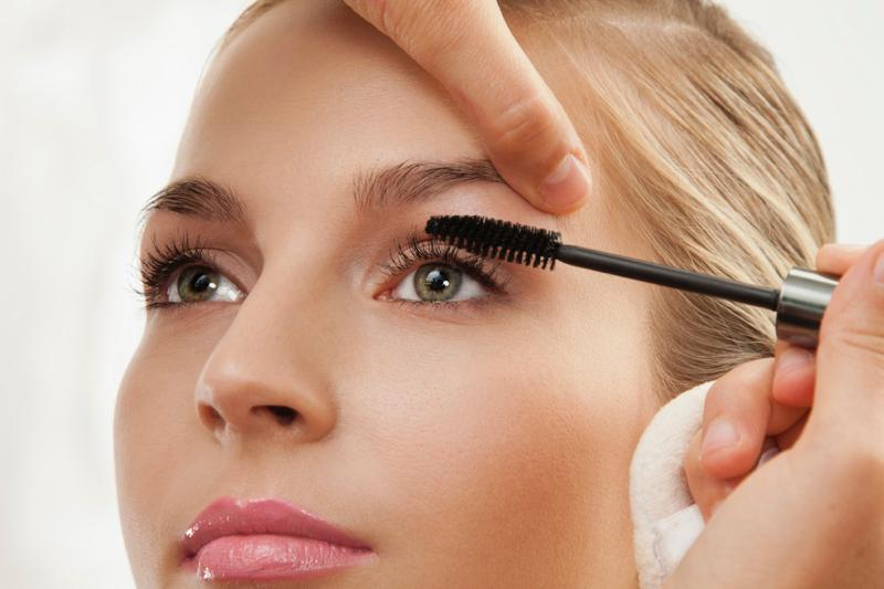 2016 Cosmetic Predictions: From Makeup to Plastic Surgery