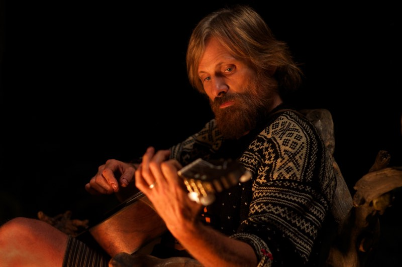 CF_00549_R_CROP Viggo Mortensen stars as Ben in CAPTAIN FANTASTIC, a Bleecker Street release. Credit: Wilson Webb / Bleecker Street