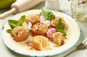 Food: Apple Crumble & Tofu Custard Sushi for International Sushi Day