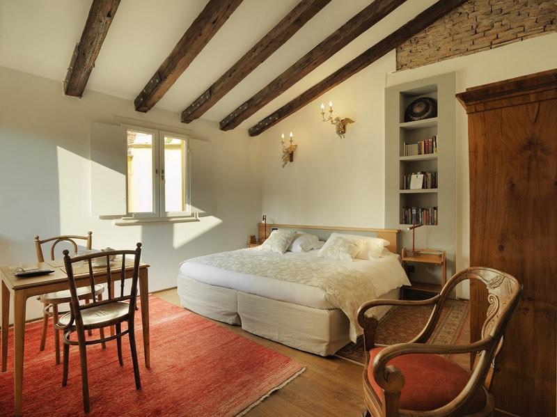 A room at L'Albero Nascosto, Trieste