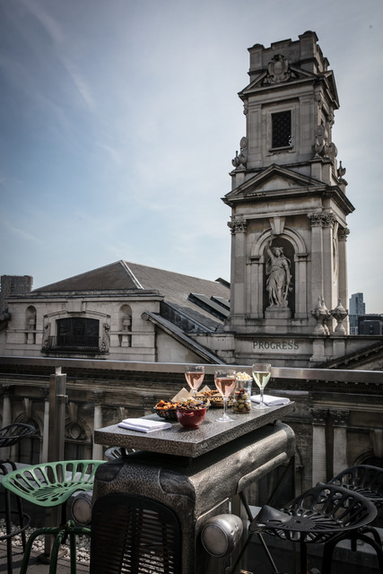 Courthouse Hotel Shoreditch: Al Fresco Drinks At The Upper 5th In East London